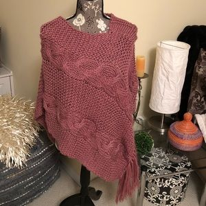 NWOT Knit Fringed Poncho